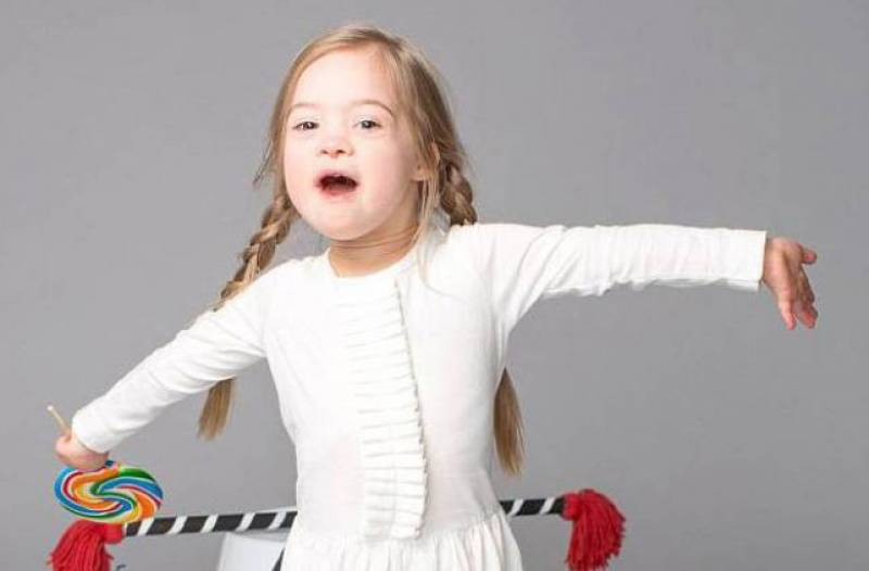 4-year-old girl with Down's syndrome rocks the socks off shoe brand's back-to-school ad